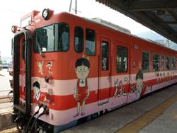 JR境線の猫娘列車外装