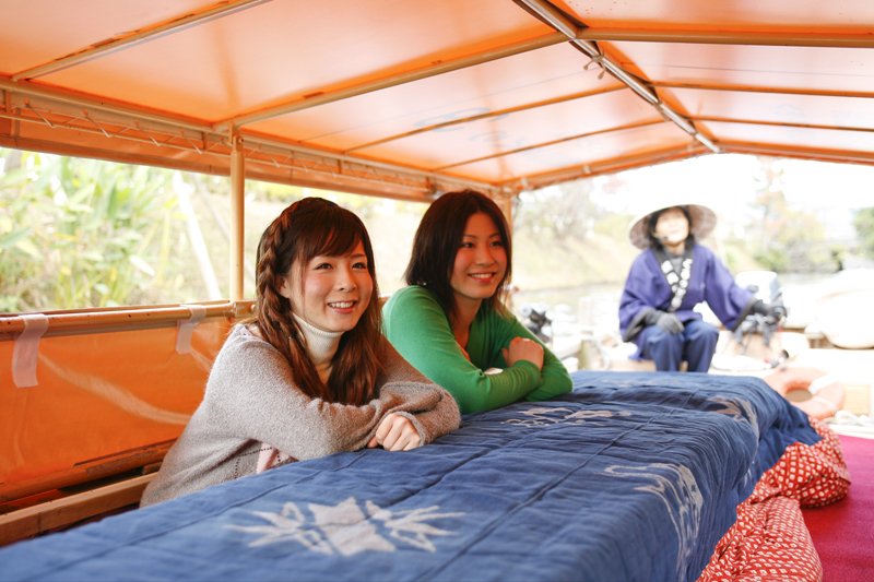 堀川遊覧船のこたつ船
