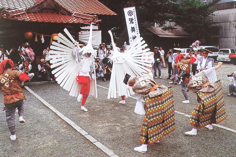 重要無形文化財に指定される津和野弥栄神社の鷺舞