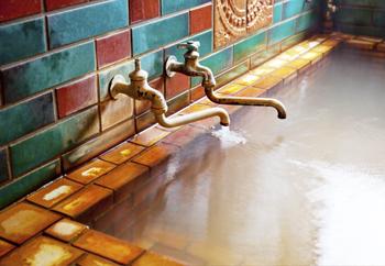源泉かけ流しの湯を楽しめる島根の日帰り温泉