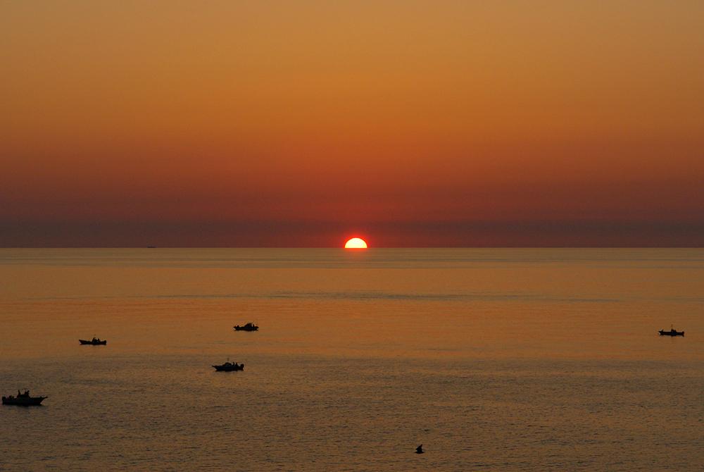 日御碕から眺める夕日