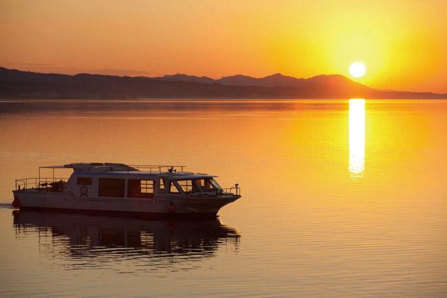 宍道湖観光遊覧船「はくちょう」夕日クルーズ