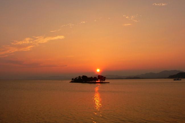 定番から穴場まで!宍道湖の夕日スポットガイド