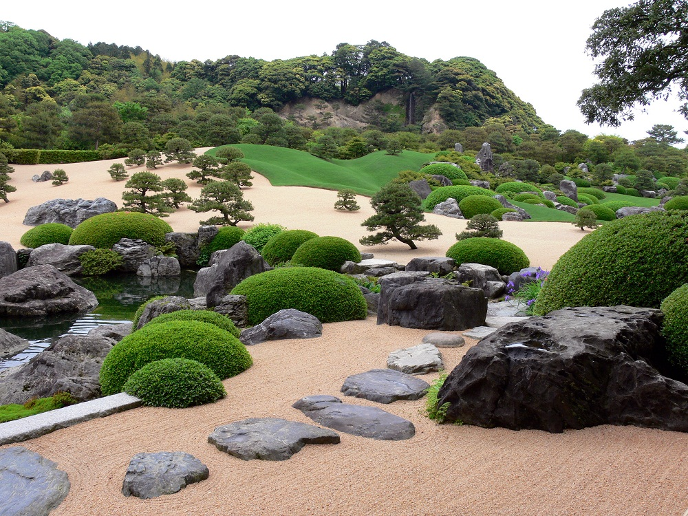 adachi museum, White Gravel and Pine Garden