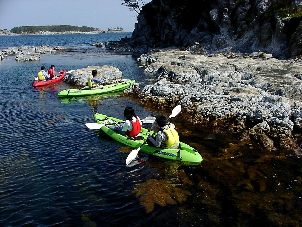 Sea kayaking Oki
