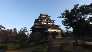 松江城の朝日