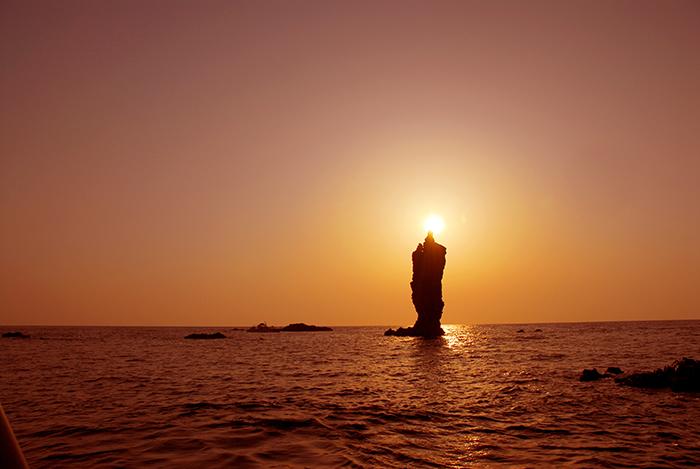 隠岐の船旅 隠岐の島町 ローソク島