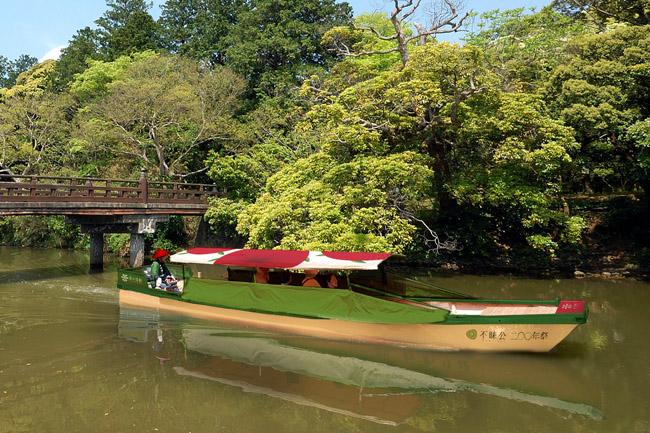 茶の湯堀川遊覧船