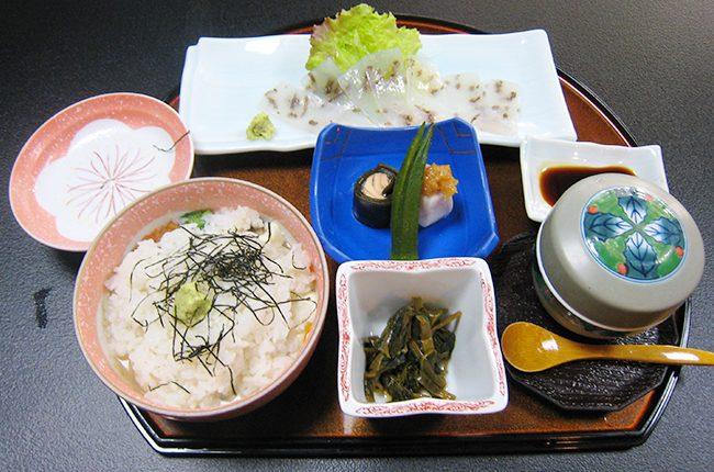 12_うずめ飯