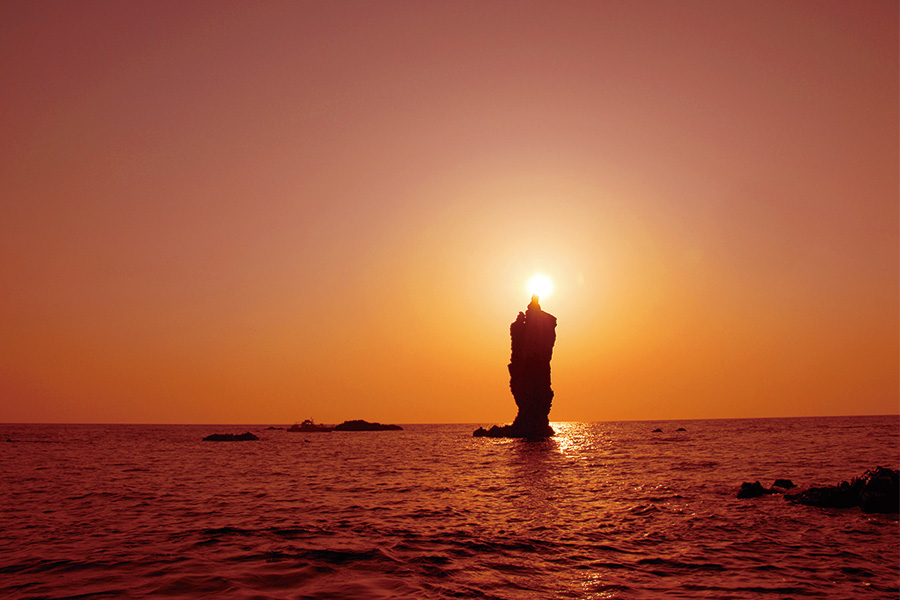 隠岐の島町 ローソク島遊覧船