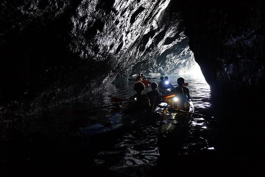 わくわく洞窟探検ツアー